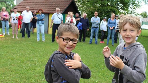 Hodnotící komise zavítala do Čejetic a okolních obcí. Program zakončila v MŠ Čejetice.