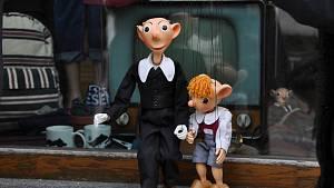 Slavnostní připomenutí 127. výročí narození autora Spejbla a Hurvínka se uskutečnilo ve středu 16. ledna na Velkém náměstí ve Strakonicích u rodného domu Josefa Skupy.