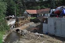 Rozestavěný most v Nihošovicích