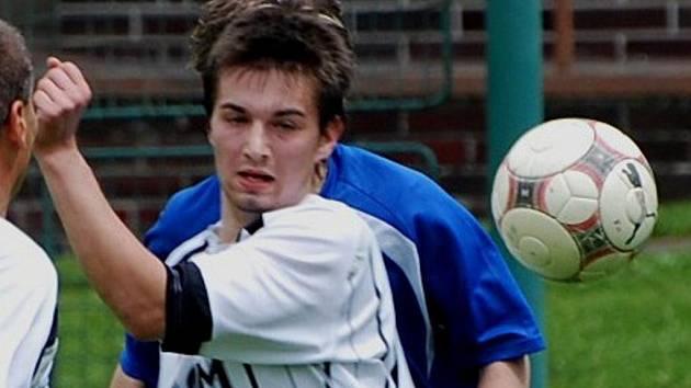 Miroslav Mikeš ml. z Lomu nastřílel Malenicím pět gólů. Jeho tým vyhrál 7:4.