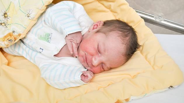 Jaroslav Pospíšil ze Zdíkova. Jaroušek se narodil 1.3.2019 v 17.28 hodin a při narození vážil 4000 g. Doma se na něj všichni už moc těšili.