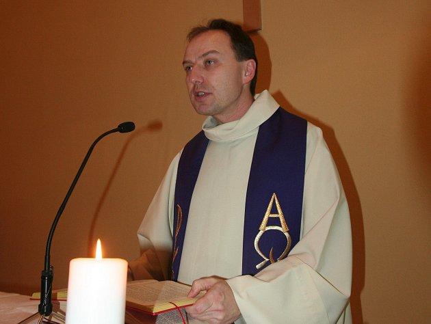 Farář církve římskokatolické Otec Roman Dvořák: