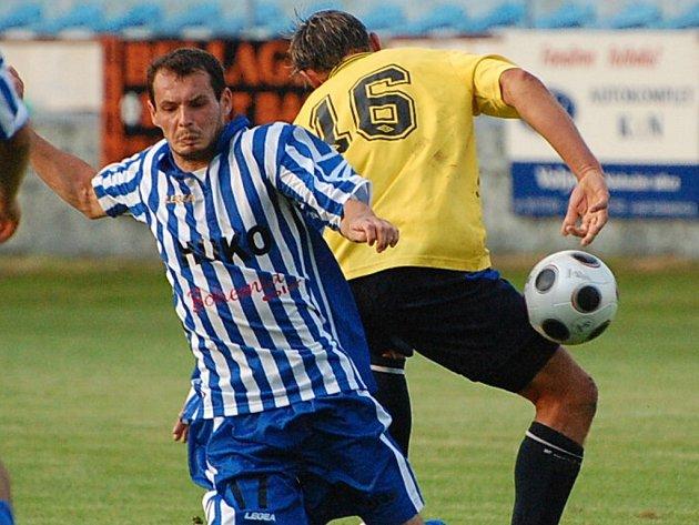 Luboš Hanzlík vsítil v utkání Strakonic B s Kamenným Újezdem (3:0) dvě branky.