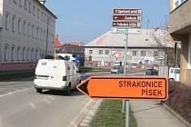 Objížďky uzavřeného obchvatu u Vodňan.