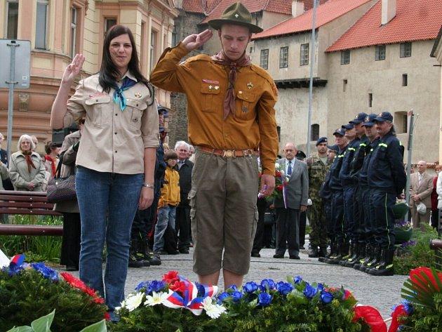 Oslavy 64. výročí konce druhé světové války Na Dubovci.