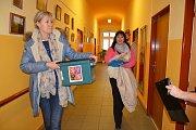 OBRAZEM: Voliči z Domova sociální péče ve Vodňanech volili hned v pátek 12. ledna v době od 14.30 do 15.30 hodin. Zúčastnilo se 11 voličů.
