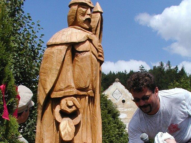 V sobotu odhalili na návsi v Tažovicích sochu sv. Floriana