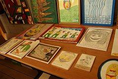 Výstava Umění (ne)umění s podtitulem na(i)vně Vodňanského Zdeňka Fugase Plachty.
