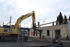 Dvě budovy nádraží ČD musely ustoupit novému přednádražnímu prostoru