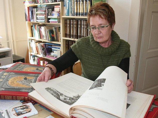 Marie Pazderová.