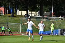 DUŠAN PINC, útočník domažlické Jiskry v souboji s pražskou Admirou dal gól, ale nakonec musel brát remízu 2:2. Foto: Jiří Pojar