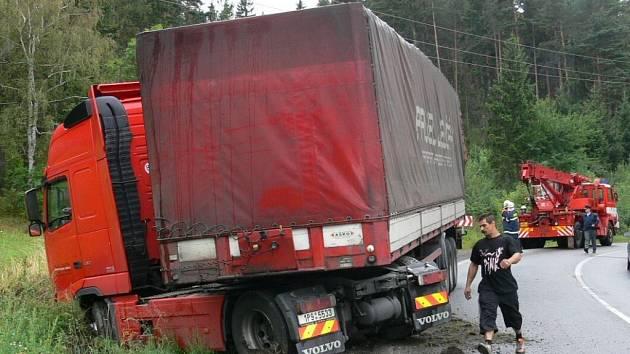 Nehoda mezi Zlešicemi a Volyní.