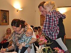 Na strakonické radnici se v úterý 10. ledna sešlo 24 malých občánků, aby byli slavnostně přivítáni do města.