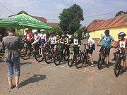 Závody Mačkovské Bike Eldorádo přilákalo na start desítky mladých cyklistů.
