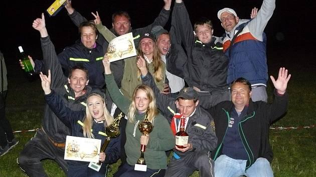 Noční hasičská soutěž v Radomyšli.