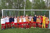 Fotbalisté Junioru ročník 2008 spolu s hráči Lipska.