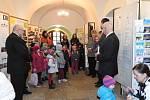 """2015 Zahájení výstavy """"Kašpárkův rok 2014""""."""