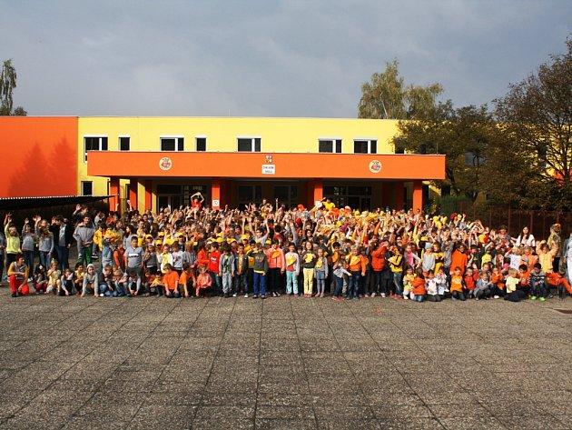 Konečně po rekonstrukci aneb Slavnostní otevření 3. ZŠ Neratovice v ulici 28. října.