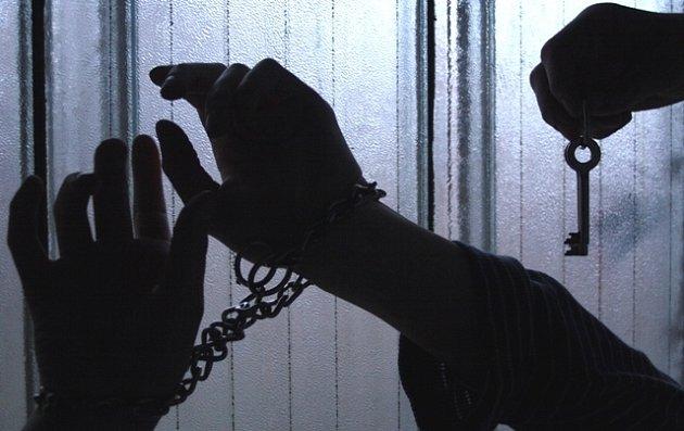 Soudy posílají do vězení stále více neplatičů alimentů