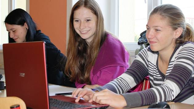 Studentské parlamentní volby 2013, gymnázium v Neratovicích.