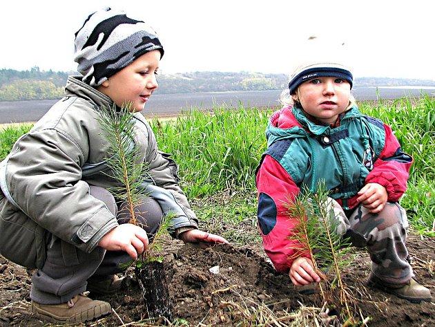 Mezi nejmladšími dobrovolníky byli i pětiletý Davídek a tříletá Týnka.