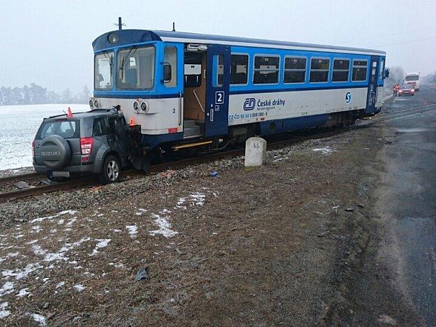 Nehoda na železničním přejezdu uzastávky Olovnice uKralup nad Vltavou.