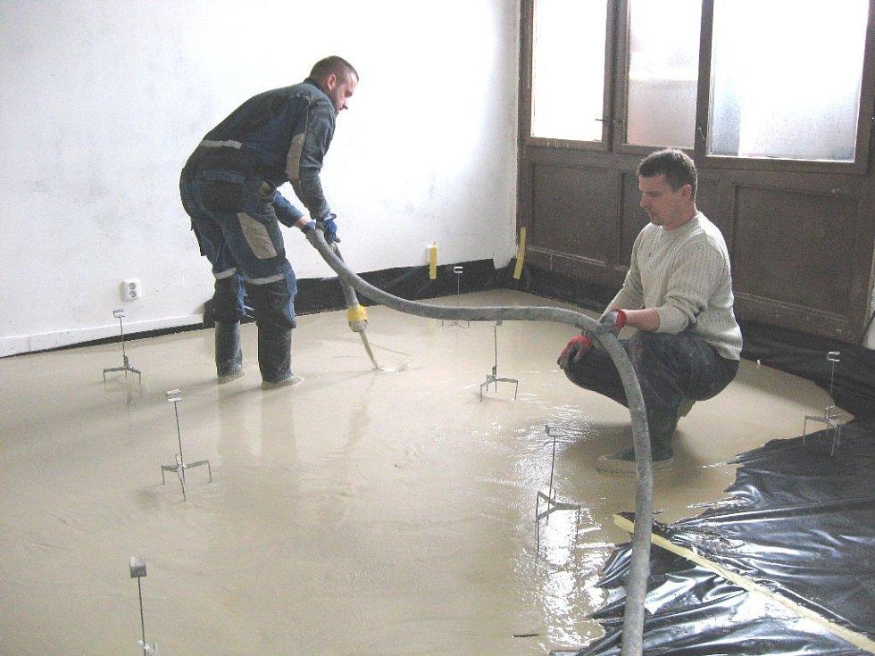 Součástí rekonstrukce prostor centra byla také kompletní obnova podlahy.
