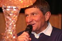 Žokejové Josef Váňa a Josef Bartoš v talk-show Miloslava Čmejly, 3. února 2014, Mělník