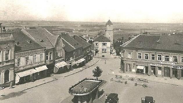 Náměstí Karla IV. v Mělníku v roce 1974.
