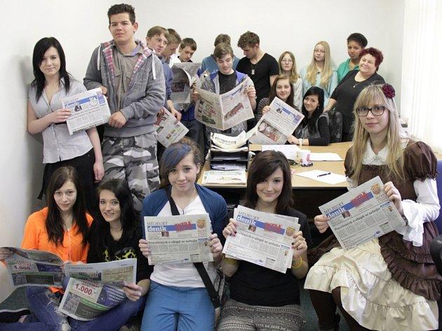 Deváťáci ze základní školy Jindřicha Matiegky dorazili v tomto týdnu do redakce, aby si zkusili napsat vlastní novinový článek. Výsledky jejich úsilí si budete moci přečíst v nejbližších dnech.