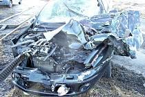 Nehoda osobního auta a vlaku u Nebužel.