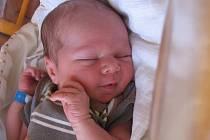 Jakub Jakeš se rodičům Věře a Martinovi z Mělníka narodil v mělnické porodnici 24. července 2015, vážil 3,30 kg a měřil 51 cm. Na brášku se těší 2,5letá Stella.