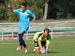 Jan Rajnoch (v zeleném) nedávno nastoupil s Motorletem v Neratovicích.