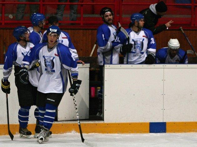Kralupy na domácí půdě deklasovaly Hořovice třinácti góly.