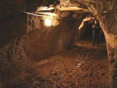 Podzemní chodba.