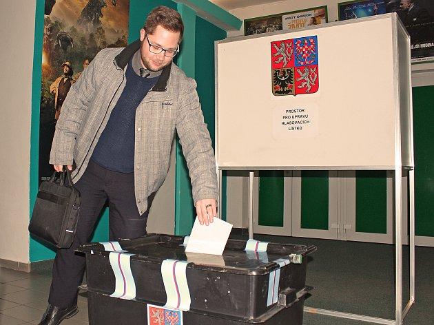 Kralupané volili i ve zdejším kině.