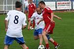 Fotbalisté TJ Kly si v rámci oslav 60. výročí svého klubu zahráli proti internacionálům ČR.