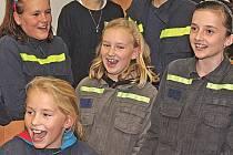 Mladí hasiči z Tuhaně.