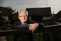 O dokumentaci nejen mělnické historie se velkou měrou zasloužil Karel Lojka, který i v seniorském věku stále pilně fotografuje akce všeho druhu.