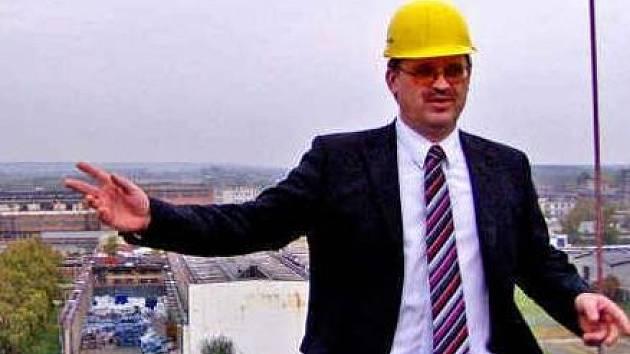 NA STŘEŠE. Petr Lipták působil dosud ve Spolaně jako provozně technický ředitel.