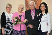 Vlasta a Karel Mitrengovi slavili zlatou svatbu.