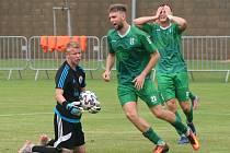 Mol cup: Sokol Libiš (v modrém) - Loko Vltavín 0:6