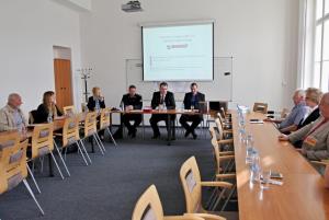 Zástupci kraje debatovali se členy The International Reflection Group o prevenci kriminality