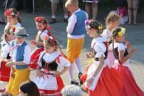 Besedu v Zárybech tancovalo přes sto baráčníků