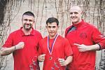 Mělnický boxer Josef Škop, svěřenec trenérů Kryštofa Marounka a Petra Kaisera, vybojoval stříbro na mistrovství republiky juniorů.