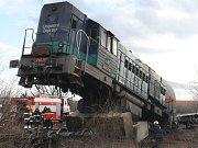 Do betonového zarážedla na koleji železniční vlečky u Úžic narazila v roce 2013 lokomotiva posunované vlakové soupravy.