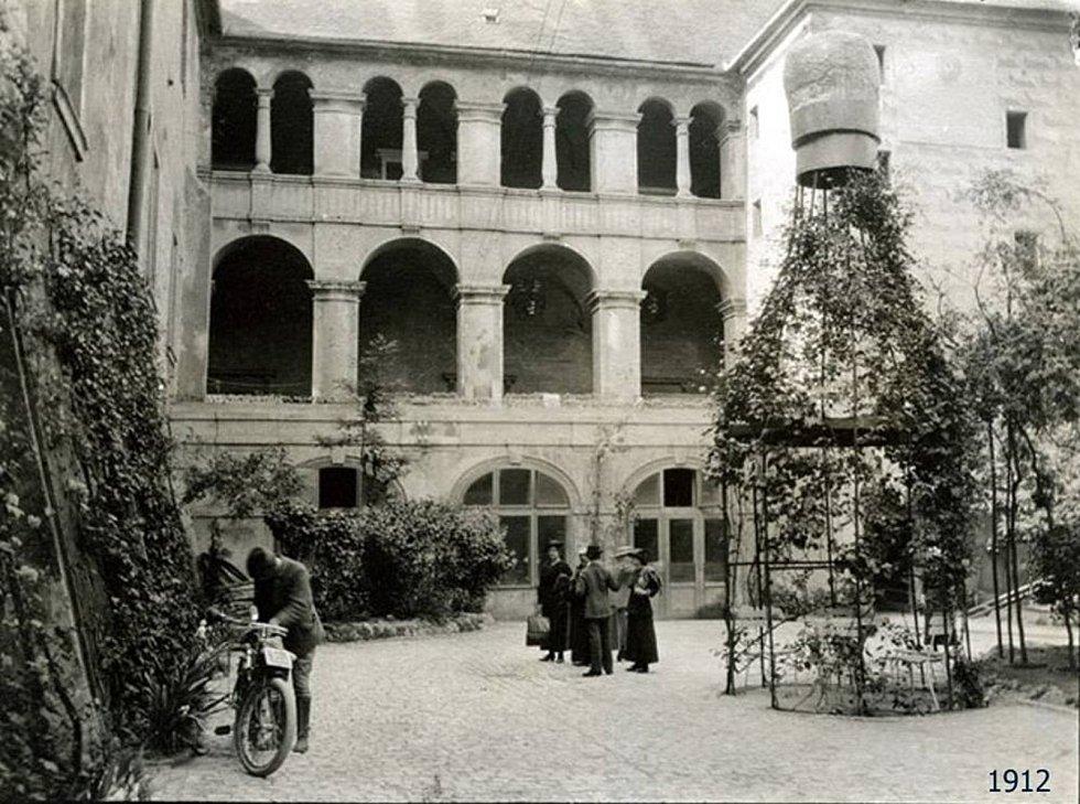 Rok 1912 na Zámku Mělník