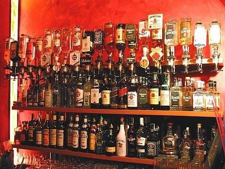 Alkoholu mají děcka na výběr opravdu velké množství.