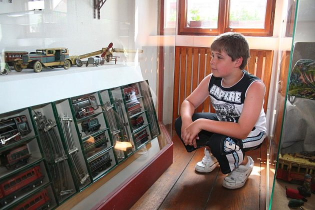 Muzeum vystavuje mechanické hračky