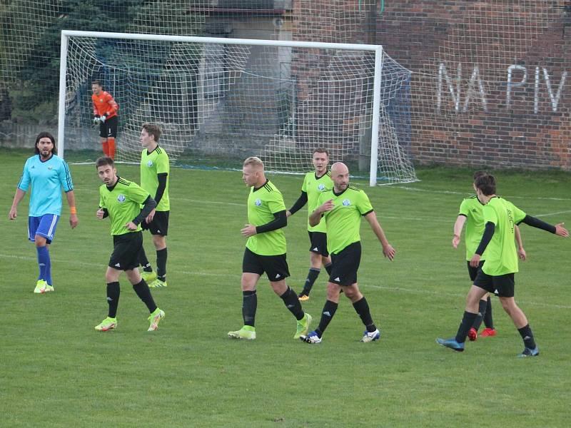 I. A třída: Dynamo Nelahozeves (v zeleném) - Viktoria Vestec (2:1)